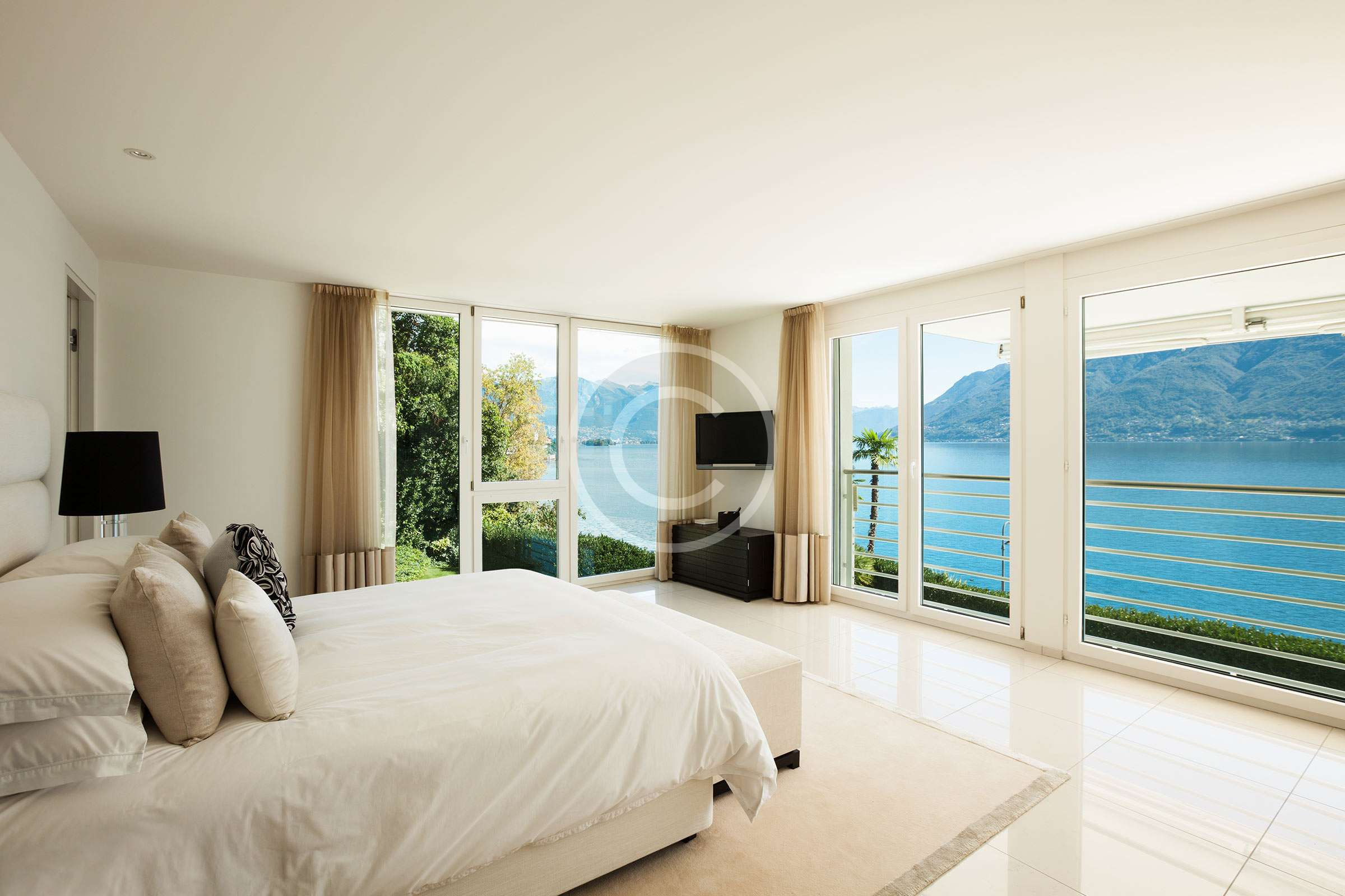 Blackout Curtains: Benefits and Uses